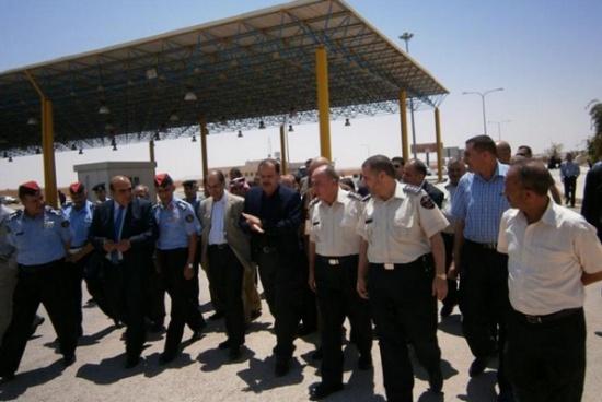 وزيرا الداخلية والسياحة يزوران حدود العمري