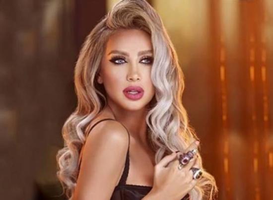 """صورتان تجمعان مايا دياب والحريري.. """"شيخ الشباب ومنحبك""""!"""