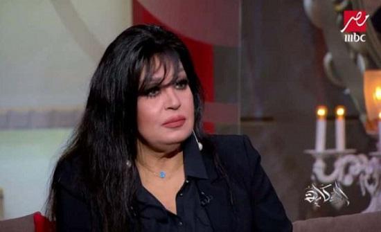 فيفي عبده تتهم خادمتها بسرقة اموال ومجوهرات