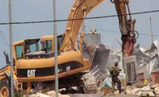 الاحتلال يواصل أعمال توسعة البؤرة الاستيطانية جنوب نابلس