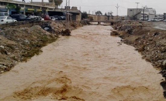 اخلاء اكثر من 2000 مواطنا بسبب السيول