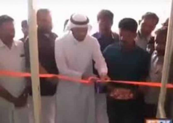 شاهد: هندي يضرب مثالاً في الوفاء ويدعو كفيله السابق لافتتاح متجره الخاص بالهند