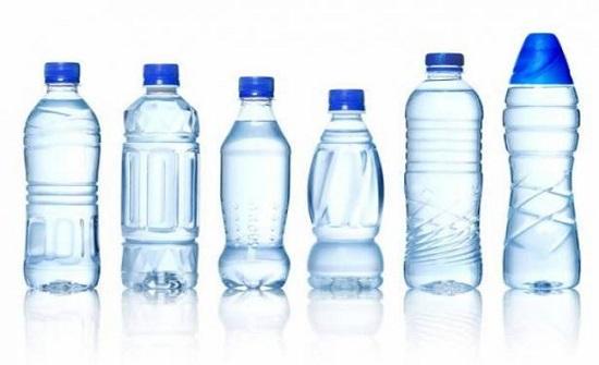 لهذه الأسباب لا تشربوا الماء بزجاجات بلاستيكية