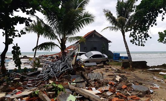 زلزال بقوة 7.1 درجة يضرب إندونيسيا وتحذير من تسونامي