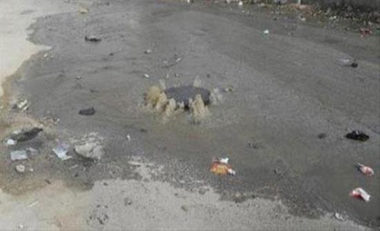 مقاول يتسبب بانسداد مناهل الصرف الصحي شرقي اربد