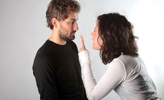 """تعلم كيف تتعامل مع """"الزوجة المتسلطة"""" دون أن تصل إلى الإنفصال!"""