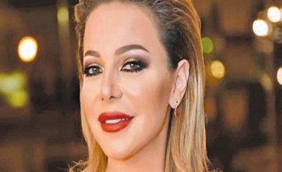 ( فيديو ) : الفنانة سوزان نجم الدين تعتمد لوك جديد وتفاجئ المتابعين