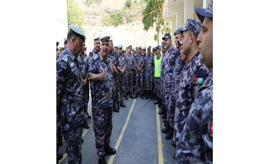 مدير عام الدفاع المدني يتفقد جاهزية مديرية دفاع مدني شرق عمان وإدارتي المشاغل والمستودعات