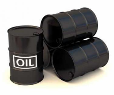 انخفاض أسعار النفط رغم تراجع المخزونات الأمريكية