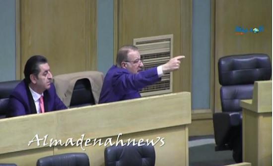 بالفيديو : جدال الدغمي وابو يامين قبل رد النواب قانون تطوير المهارات المهنية