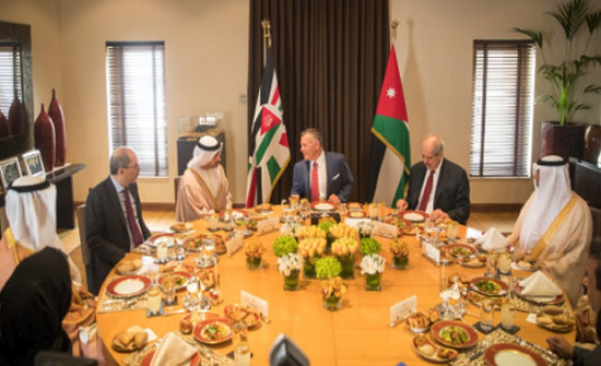 الملك يستقبل وزير الخارجية الإمارتي
