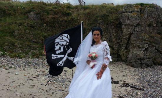 لم تجد الرجل المثالي، ملّت الانتظار... خمنوا من تزوّجت!