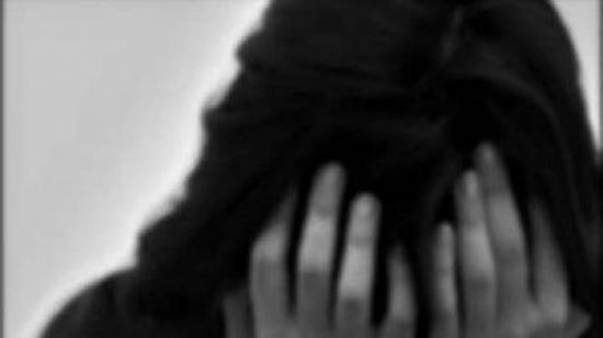 ابنة الـ11 سنة... حامل من زوج والدتها الذي اغتصبها !!