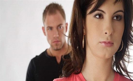 الشرطة البرطانية تسجن زوجة طلبت من زوجها مساعدتها في المنزل!