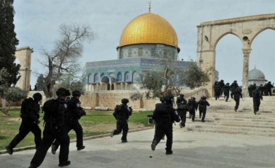 الحكومة تدين اقتحام قوى الامن الاسرائيلية ومجموعات من المتطرفين ساحات الاقصى المبارك