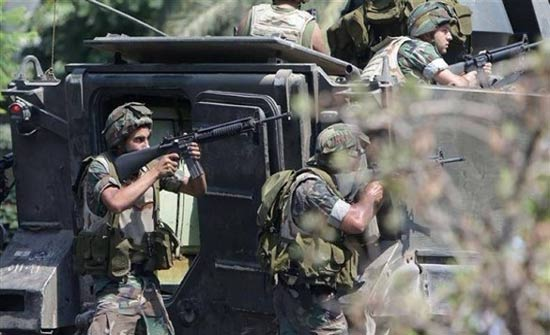 "مقتل جندي لبناني وإرهابي ملقب بـ""هاجر الدندشي"""