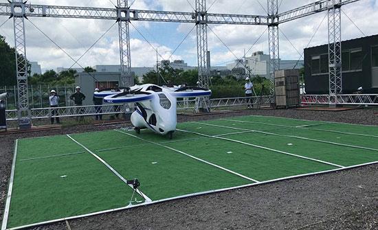 سيارة يابانية طائرة تحلق بنجاح خلال اختبار
