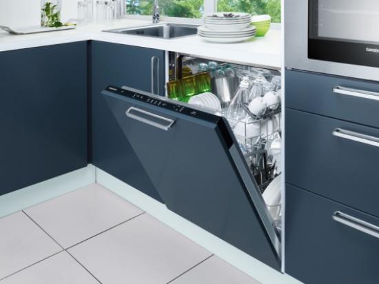 تجنبوا استخدام غسّالة الأطباق.. والسبب!