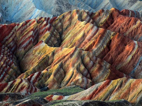 صور: أكثر الأماكن الملونة على الأرض B9301fef3c9c5c405da71ca7f16d2943
