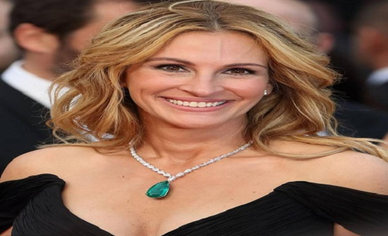 صور: أكثر ما يخاف عليه المشاهير..إحداهن ابتسامتها تساوي 30 مليون دولار