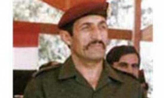 """قائد القوات الخاصة ينشق عن الاسد ويصفه """"بالحمار """""""