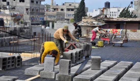 الأردنيون يعزفون عن العمل في المصانع رغم البطالة