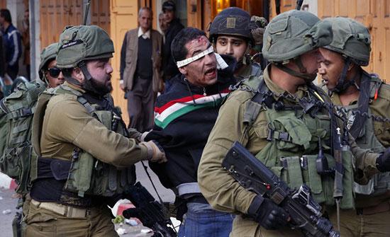 الاحتلال الاسرائيلي يعتقل 14 فلسطينيا بالضفة الغربية
