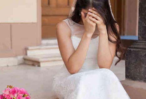 عندما دخل على عروسه في ليلة زفافه قالت له البنت مباشرةً … لا تلمسني فهناك سر خطير