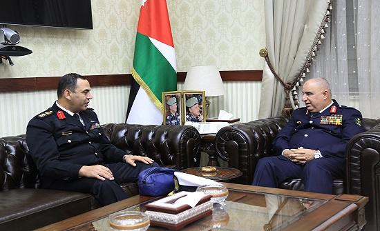 مدير عام الدفاع المدني يستقبل الملحق العسكري المصري