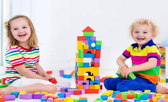 كيف تزرعين في طفلك حب المشاركة