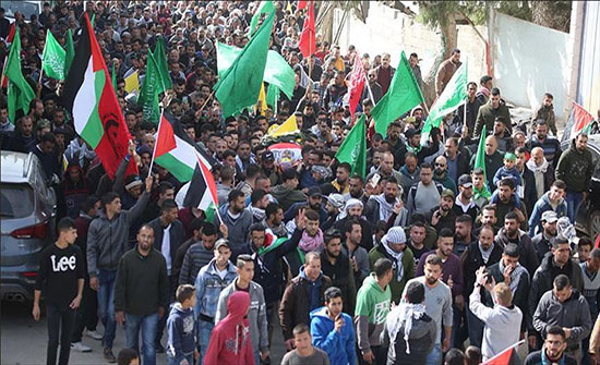 تشييع فلسطيني قتل برصاص إسرائيلي على حدود غزة
