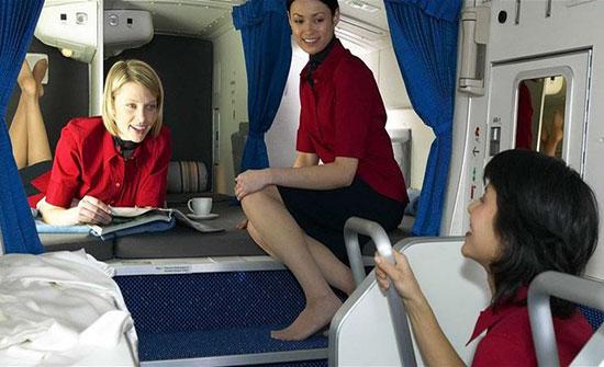 """صورة : شركة طيران تطرد طاقمها... بسبب صورة """"مخلّة"""""""
