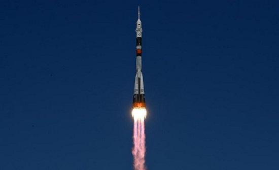 """بالصورة : هبوط اضطراري لرائدي فضاء بعد تعطل صاروخ """"سويوز"""" بالجو"""