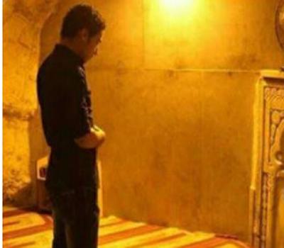 مطرب مصري يكشف عن جواز سفره الفلسطيني