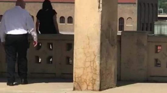 شاهد: عملية إنقاذ مثيرة لفتاة حاولت الانتحار بالقفز من فوق جسر