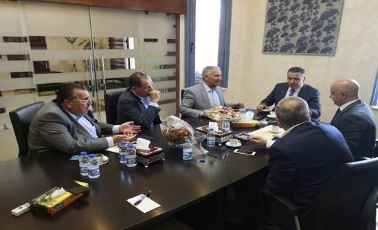 بحث تعزيز التعاون بين أمانة عمان وغرفة تجارة عمان