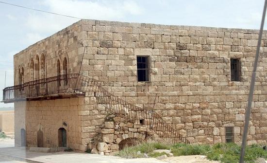 المباني القديمة بين الهدم وإعادة ترميمها كأماكن تراثية وسياحية