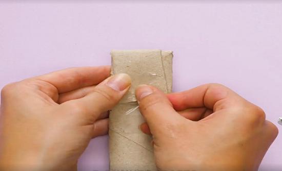 بالفيديو: استخدامات للجزء الكرتونى بالمناديل الورقية