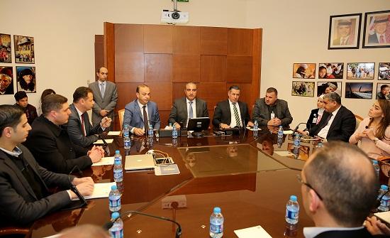أمين عمان يلتقي وفد بلدية الخليل