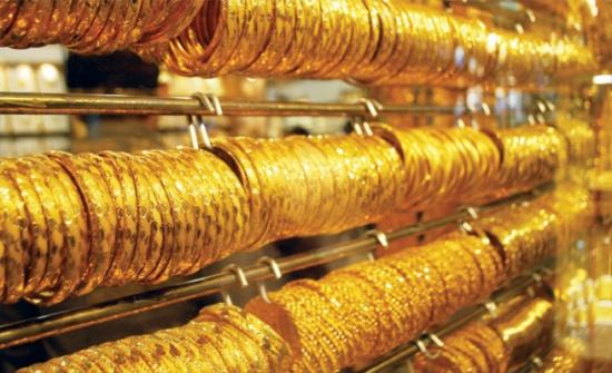 انخفاض سعر الذهب 3 دنانير في شهر