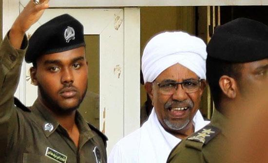 الجنائية الدولية تطالب السودان بتسليم البشير أو محاكمته