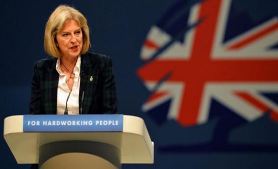 رئيسة الوزراء البريطانية تتعهد بخفض وتقييد الهجرة في حال الفوز بالانتخابات