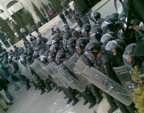 الأردن يؤكد وجود قوات درك في البحرين