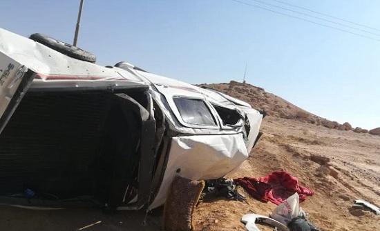 وفاة وإصابتان بتدهور مركبة على طريق الزرقاء الأزرق