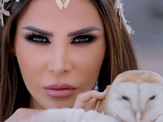 """بالفيديو - نيللي مقدسي تشعل """"فيسبوك"""" برقصها"""