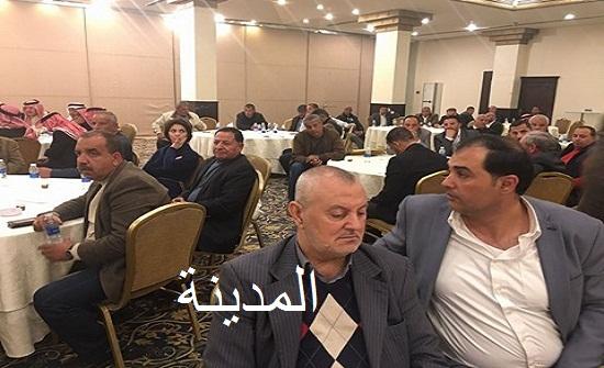 بالصور والفيديو  : التسجيل الكامل لوقائع اجتماع الدكتور العبادي بممثلي القطاع الزراعي في المدينة الرياضية