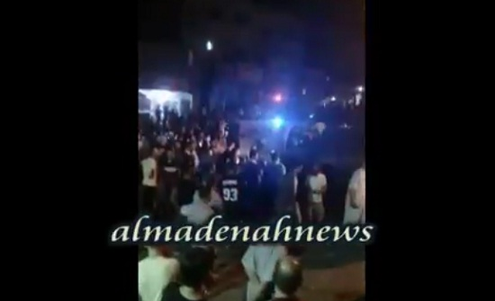 بالفيديو : العشرات يتجمعون في الرصيفة طلباً للثأر وتعزيزات أمنية