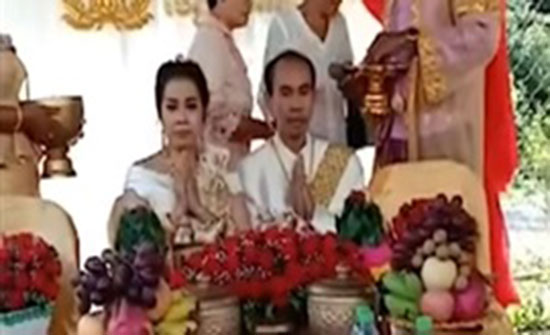 أخت تتزوج شقيقها بعد هرب العروس (فيديو)