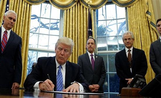 ترامب يوقع مرسوماً لمعاقبة التدخل الأجنبي في الانتخابات الأمريكية