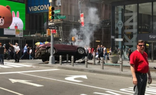 سيارة مسرعة تدهس عددا من المارة في نيويورك